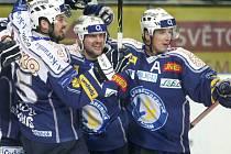 Václav Benák (zcela vpravo) s Martinem Strakou (uprostřed)