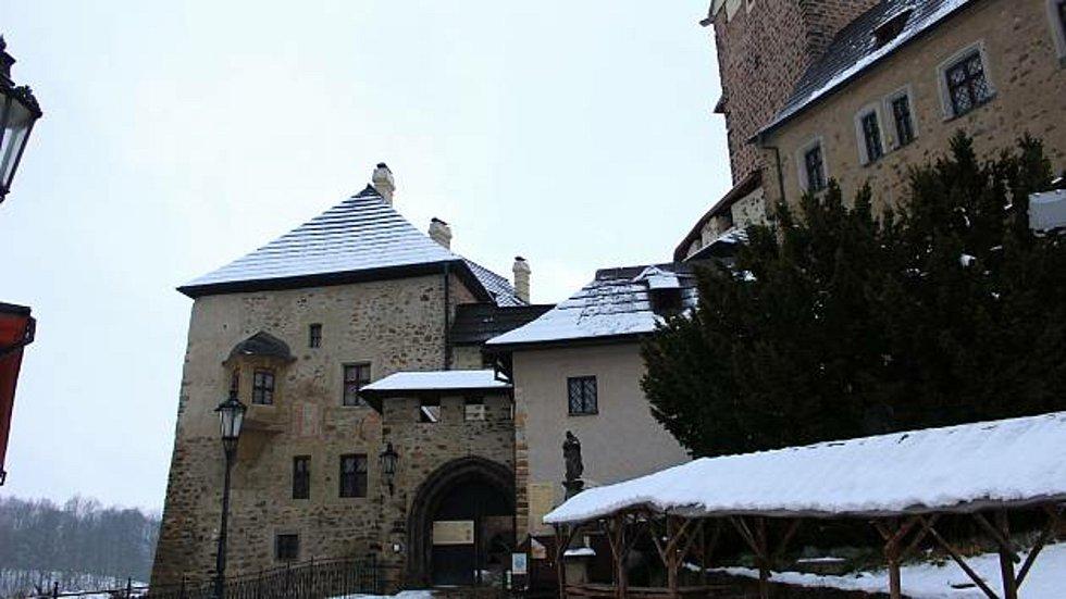 Na hradě Loket točili filmaři pohádku Nosáč.