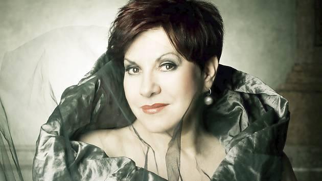 OPERNÍ DIVA DAGMAR PECKOVÁ zapěje slavné árie v loketském amfiteátru na koncertě Kouzlo noci.