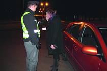POLICIE se zaměřila především na přítomnost alkoholu za volantem. Opilých řidičů chytila celkem pět.