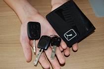Nejčastěji jsou v infoschránkách peněženky a klíče od aut