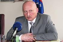 TECHNICKÝ ředitel Sokolovské uhelné Jiří Pöpperl vysvětlil novinářům, jaké plány do budoucna firma má. Jednou z aktivit má být energetické využívání či likvidace komunálního i průmyslového odpadu.