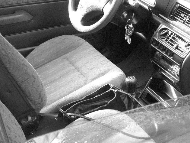 Auto není trezor, varují policisté.