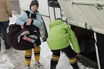 Mládežnické celky HC Baník Sokolov kvůli rekonstrukci sokolovského zimního stadionu trénují v Chebu