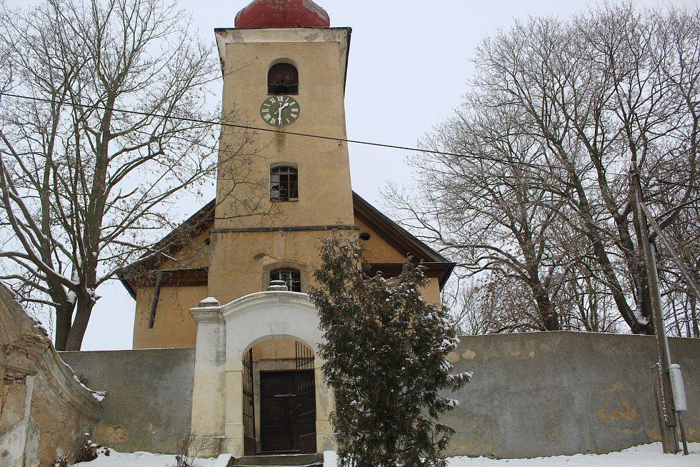 Kostel v Nebanicích