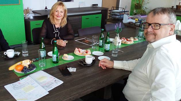 Ministr dopravy a poslanec parlamentu Dan Ťok jednal se zástupci města Sokolova a Sokolovské uhelné o emisních povolenkách.
