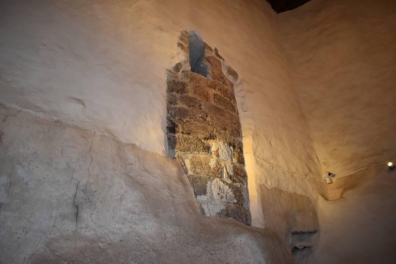 Hrad Loket chce postupně vystavit tisíce artefaktů a sbírkových předmětů