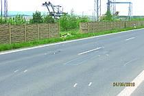 Neznámý řidič prorazil betonový plot.
