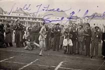 Jako hlavní hvězda programu se otevření zúčastnil atlet a běžec Emil Zátopek.