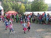 Kromě Pětky a Patnáctky si své trasy mohou odběhnout i děti, například ti nejmenší, Pidižvíci (snímek je z loňského ročníku).