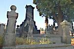 Zloději se vloupali do hrobek v Kraslicích.