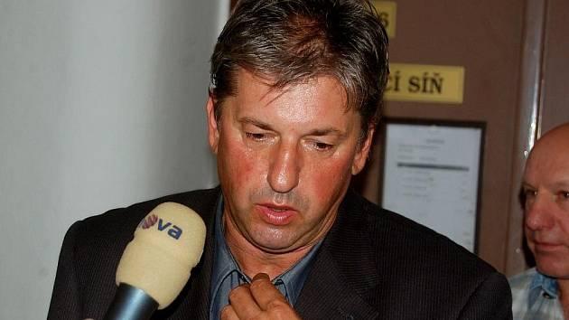 Jaroslav Révay u sokolovského okresního soudu.