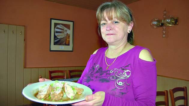 JAROSLAVA FIŠEROVÁ se v pátek zúčastní finále soutěže Česko vítá jaro. Vaření je její celoživotní vášní. Recepty sama vymýšlí a preferuje u toho českou kuchyni.