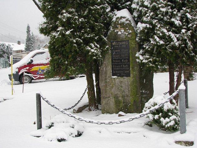 Pomník obětem 1. světové války v Březové.
