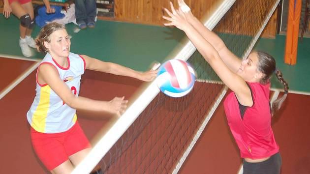Druhá polovina roku volejbalistkám VSK Baník Sokolov vůbec nevyšla.