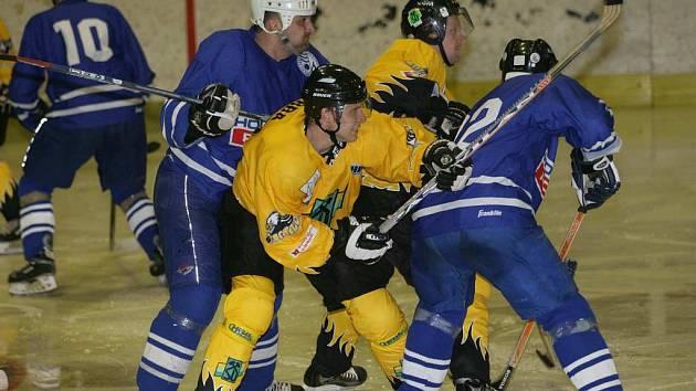Hokejisté HC Baník v letní přípravě.