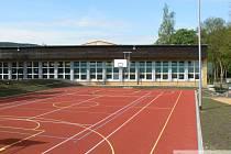 ŠKOLA v Kraslicích již plně využívá moderní sportoviště. Zavítat na něj může i veřejnost.