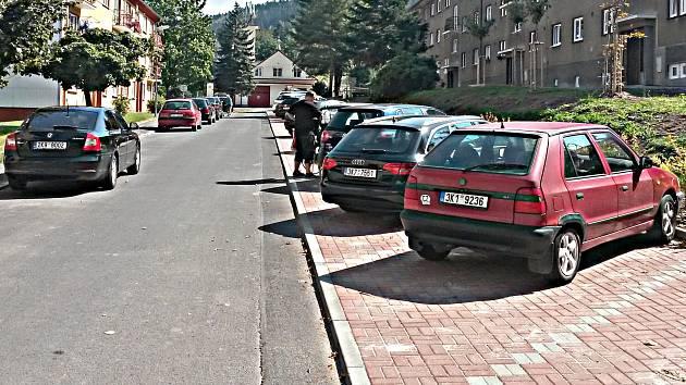 Nová parkovací místa v Březové