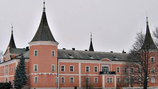 Sokolovský zámek