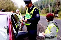 Kontrol řidičů se zúčastnily také děti.