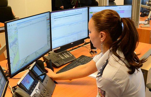 OPERÁTOŘI tísňové linky v Karlových Varech pomohli českému řidiči s vážnými zdravotními problémy, který jel zrovna po silnici ve Francii.