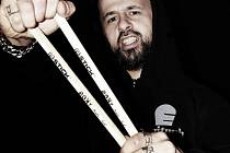 Hrát s Markem Ztraceným je skvělý pocit, říká bubeník Martin Bock