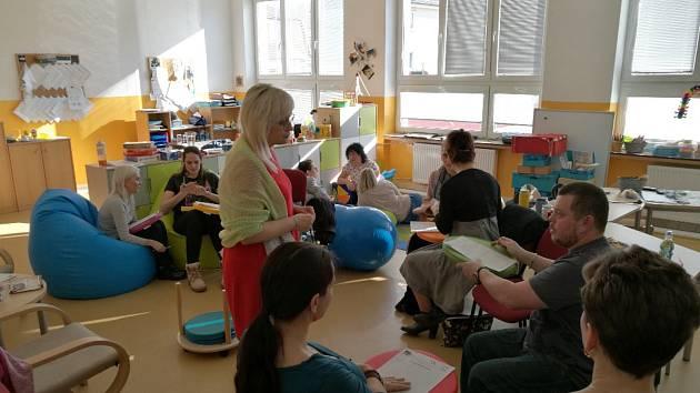 Na Základní škole v Kynšperku nad Ohří funguje školní poradenské pracoviště s psycholožkou a speciální pedagožkou na plný úvazek.