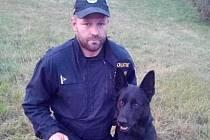 Zloděje vyčenichal policejní pes Jeff.