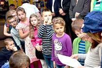 Pasování prvňáků v sokolovské knihovně