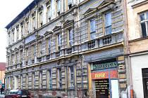 Dům v centru Kraslic město zatím zakonzervuje.