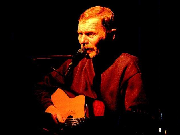 Jiří Schmitzer si diváky získal hned od prvních akordů.