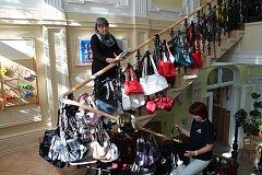 PRODEJ kabelek se konal už počtvrté, výtěžek putuje na konto pro dětské oddělení Karlovarské nemocnice