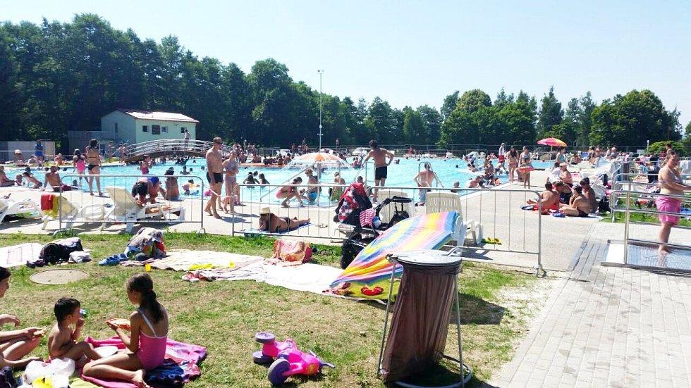 NEREZOVÉ bazény jsou úplnou novinkou městského koupaliště