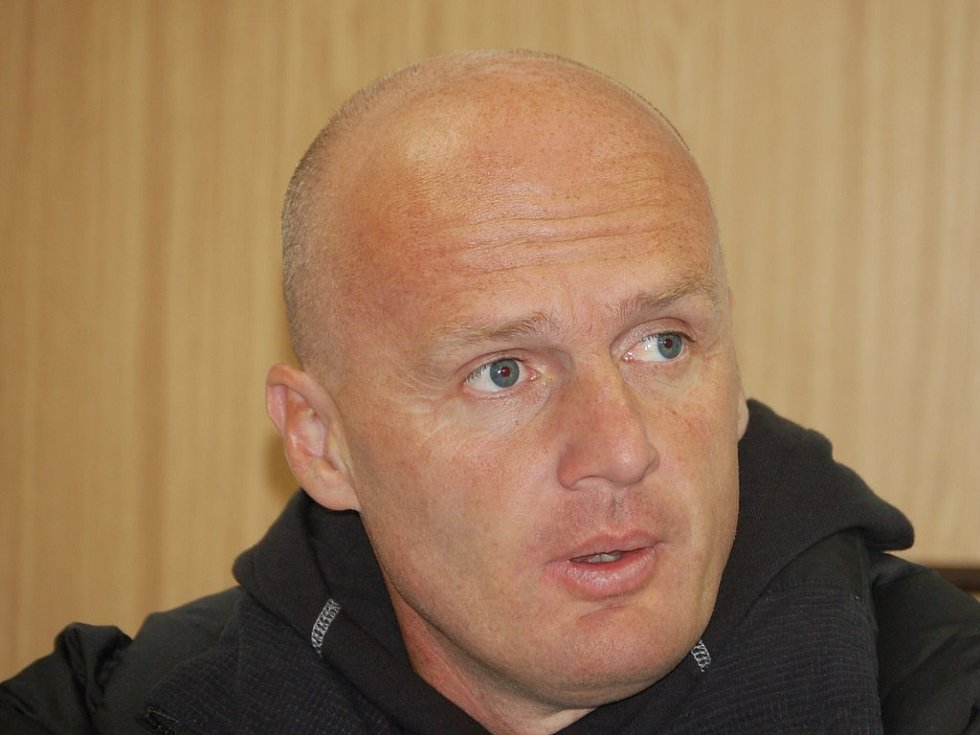 Trenér Sparty Michal Bílek na tiskovce.