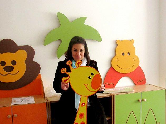 ŘEDITELKA Zdenka Hanková v jedné ze tříd nové školky Pampeliška. Děti se sem začnou z nevyhovující staré budovy  stěhovat během března.