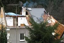 Silný vítr v Kraslicích strhával střechy.