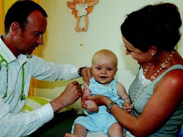 Vakcinace dětí.