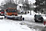 Dopravní nehoda OA se sypačem v Horním Slavkově.