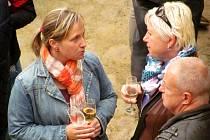 VINOBRANÍ je každoročně místem dobrého jídla a pití, ale i setkávání a zábavy s přáteli.