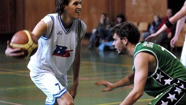 Po výhře ve Varech už basketbalisté Sokolov v Mostě neuspěli.