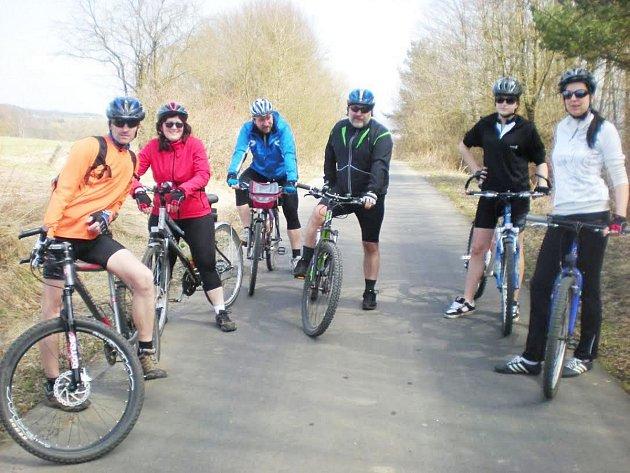 TEPLÉ počasí k prvním výletům na kole přímo vybízí. Většina cyklistů ale ze začátku sezony volí jen kratší výjezdy.