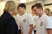 Na Integrované střední škole technické a ekonomické v Sokolově byla letos otevřena pobočka střední policejní školy, kde zahájilo studium 26 budoucích policistů z celé republiky.