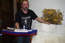 Karel Hamouz a jeho člun