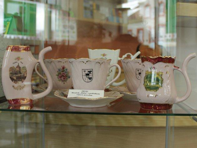 Růžový porcelán z dílny Viléma Těžkého