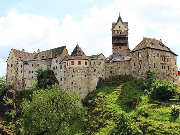 Karel IV., tehdy kralevic Václav, pobýval na hradě v Lokti se svými sestrami poprvé v r. 1317.
