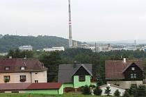 Na hluk z nedaleké továrny si nejvíce stěžují obyvatelé horní části Těšovic.