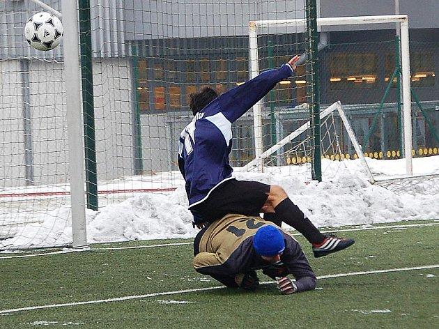 Zimní turnaj SSZ: Baník Habartov - Sokol Citice (v zeleném)