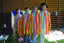 MUZIKÁL si děti připravily samy. Od vymýšlení scénáře až po vyrábění kulis nebo kostýmů