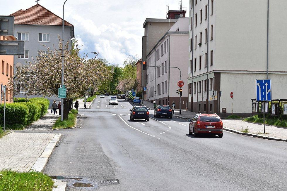 Křižovatka u soudu v Sokolově. Za poslední dva roky zde bylo 7 nehod s 1 zraněním.