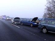 Hromadná nehoda na dálnici D6.